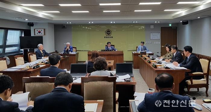 제307회 임시회 교육위원회(20181008).jpg