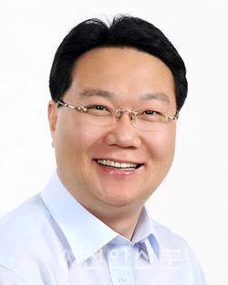 유병국 의원 증명사진 (천안10, 민주)(발송용).png
