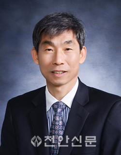 허삼복 교육장님(증명사진).png