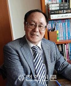 김성윤이사장.png