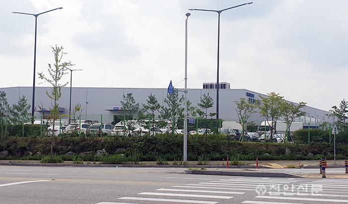 현대글로비스아산물류센터.jpg