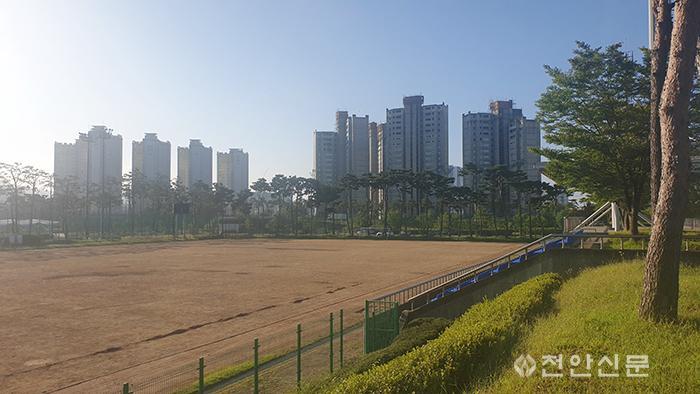 축구센터부경기장.jpg