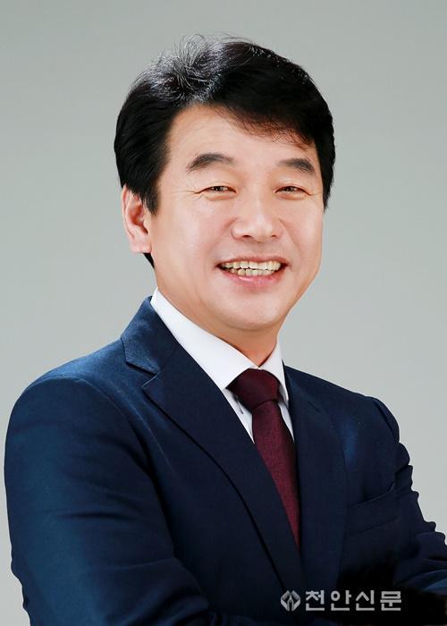 문진석 의원(프로필).JPG