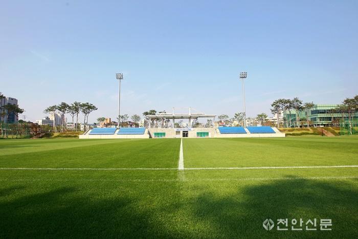 체육진흥과(천안축구센터 주경기장 전경).jpg