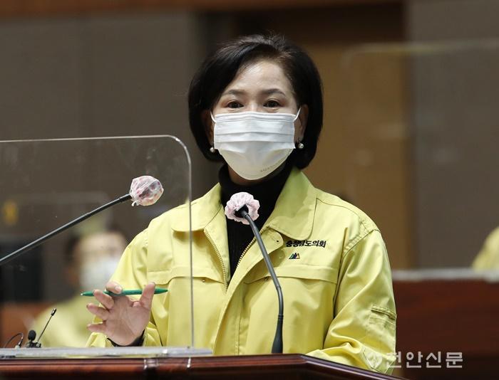 201126_제325회 정례회-도정질의-김연 의원.jpg